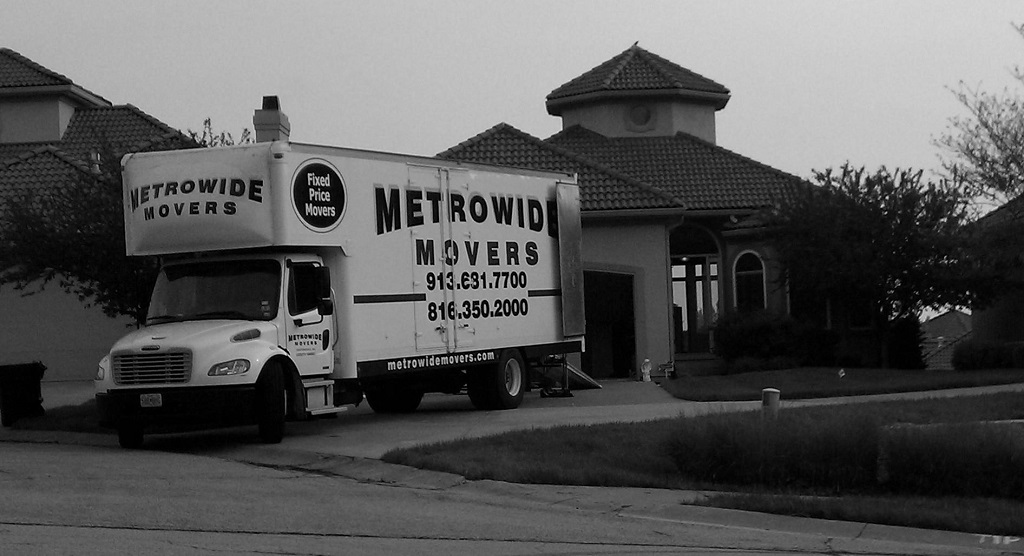 Metro Wide Movers Loading