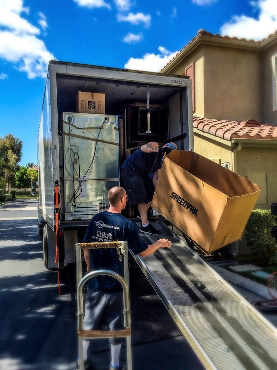 Movers at Work3