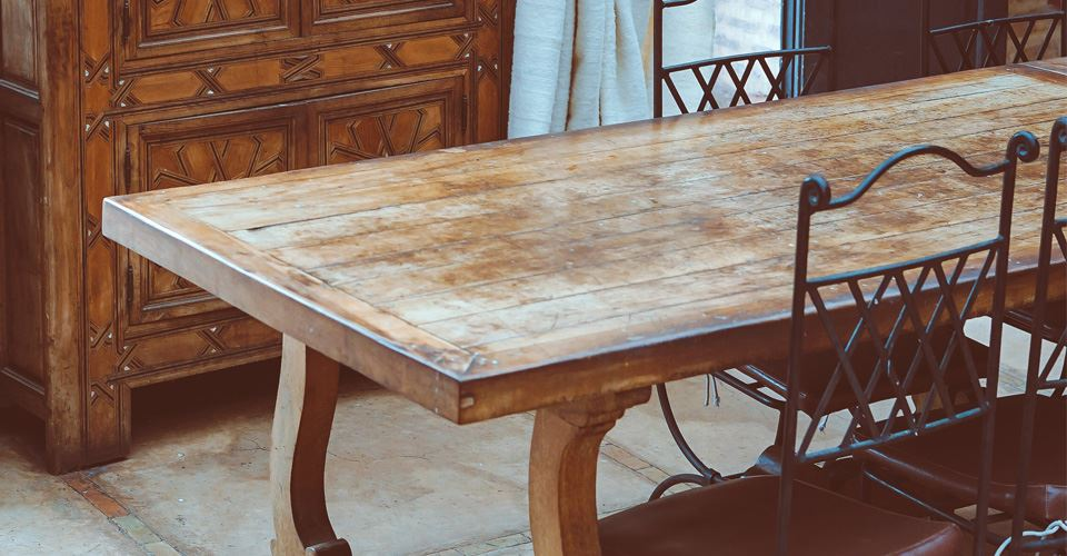 How to Protect Wooden Furniture When You Move