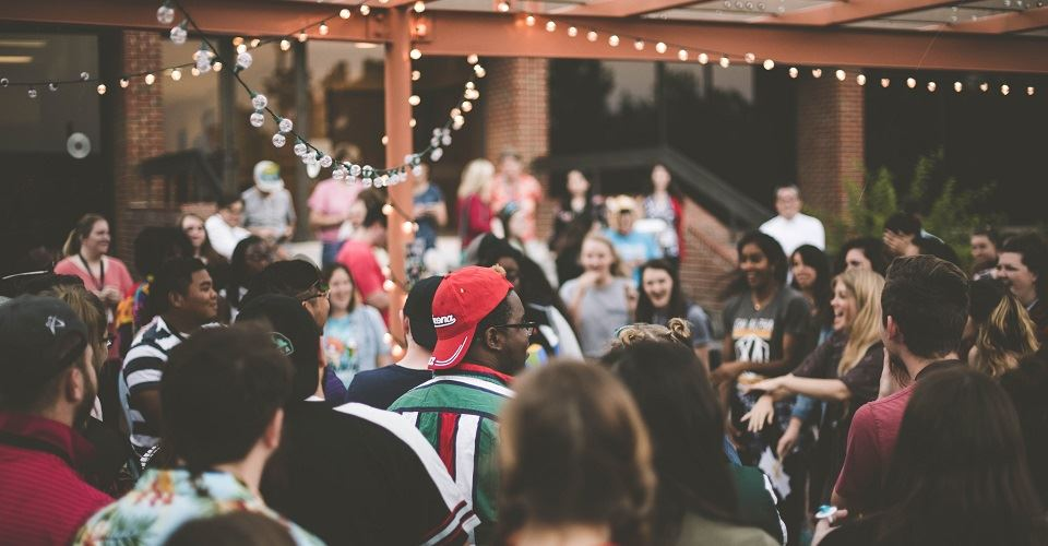 Throw a memorable going-away party