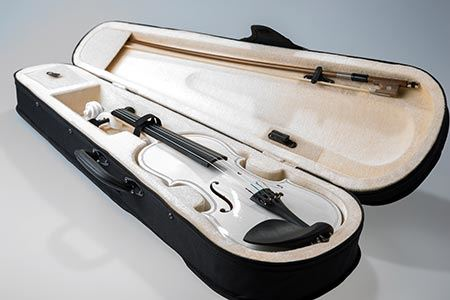 Packing violin for moving